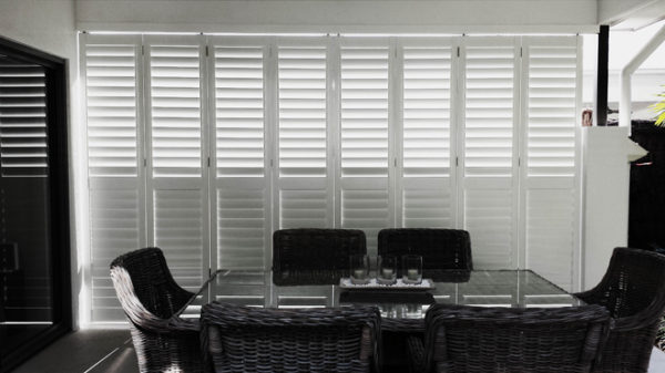 Aluminum-Shutters-Out door Eating Area